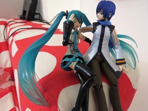 「Hey Miku-chan would you like my...」