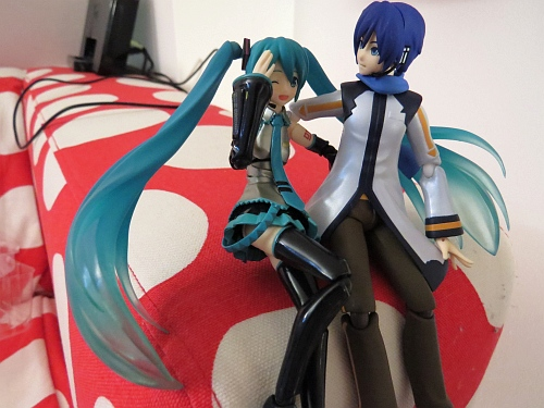 「Hey Miku-chan would you like my...」